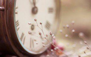 clock-photo-wallpaper-1680x1050