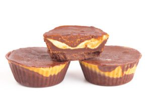 Homemade Chocolate Peanut Butter Cups for a sustainable halloween