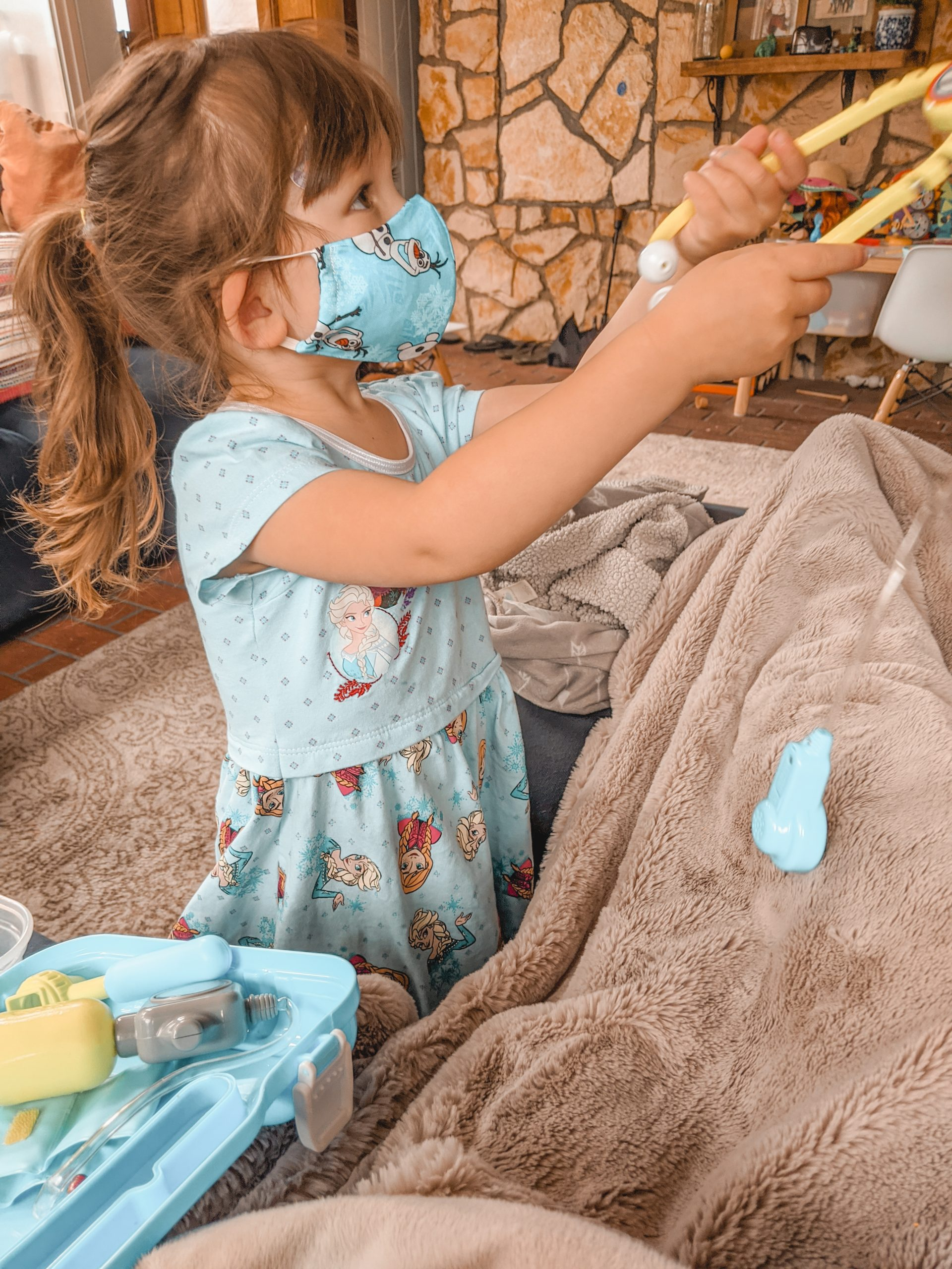 entertain toddlers with doctor set