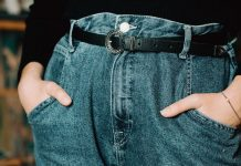 """This Mom Is Super Offended by """"Mom Fit"""" Jeans"""
