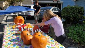 How To Create A Fun And Safe Halloween Carnival For Your Neighborhood - Pumpkin Carving